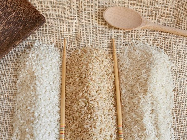 Vari tipi di riso per cucina koreana