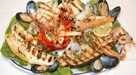 grigliate di pesce, scampi, dolci
