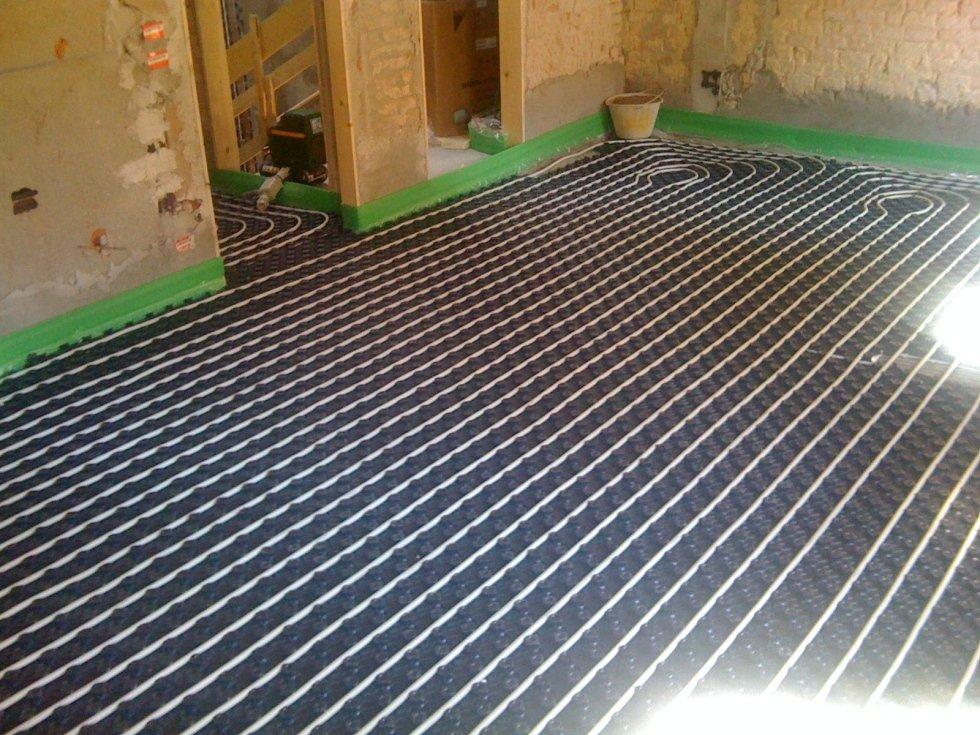 Installazione impianto per isolamento termico a terra