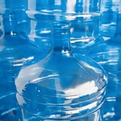 distribuzione di acqua naturale