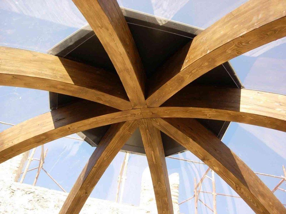 Cupola in legno lamellare curvo