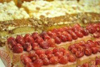 tortine varie, fragole, crema pasticcera