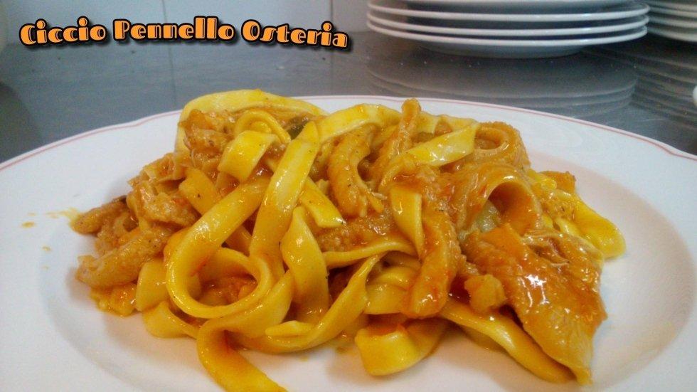 tagliatelle pasta fresca fatta in casa toscana
