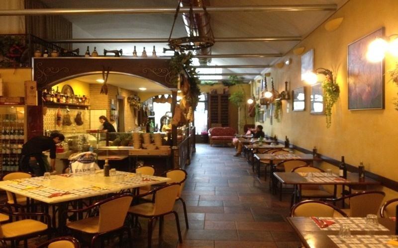 panoramica interna sala Ciccio Pennello Osteria