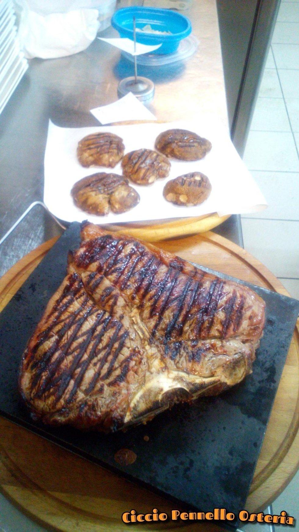 bistecca grigliata toscana ciccio pennello osteria