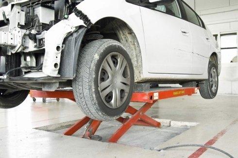 Ripariamo autovetture e offriamo assistenza e manutenzione garantite.