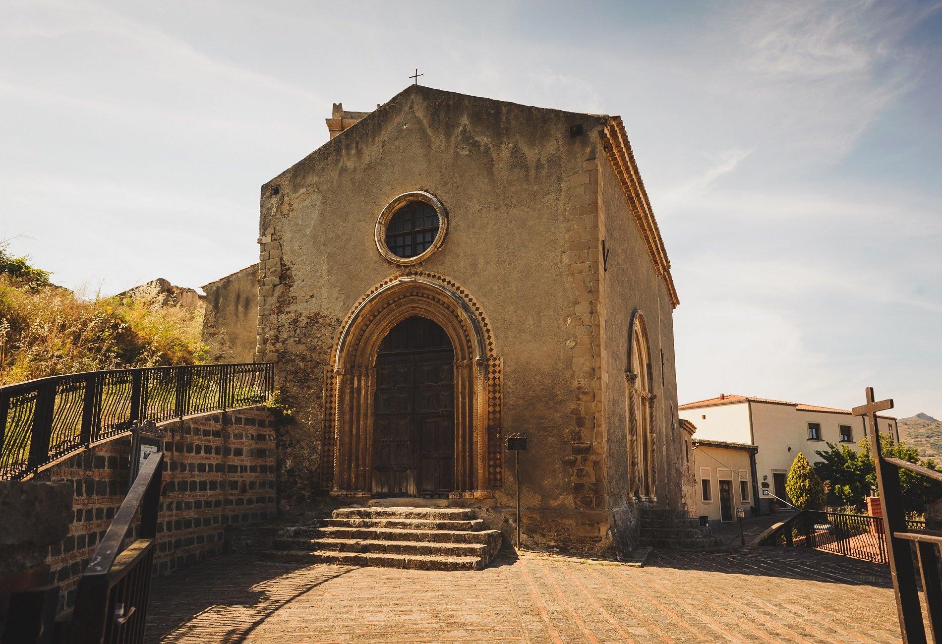 un'antica chiesa