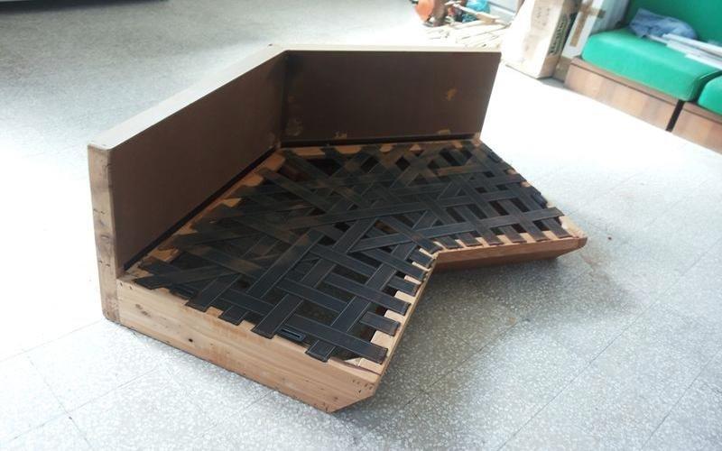 costruzione divano