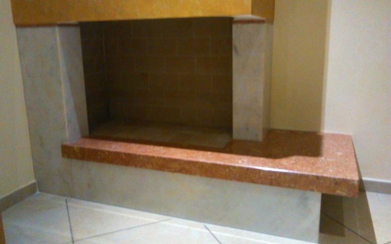 caminetto marmo rosa