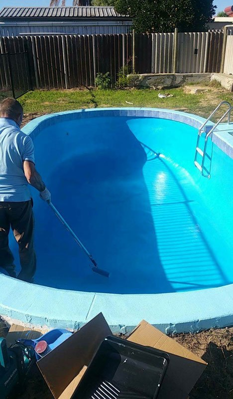 bottom of pool being painted