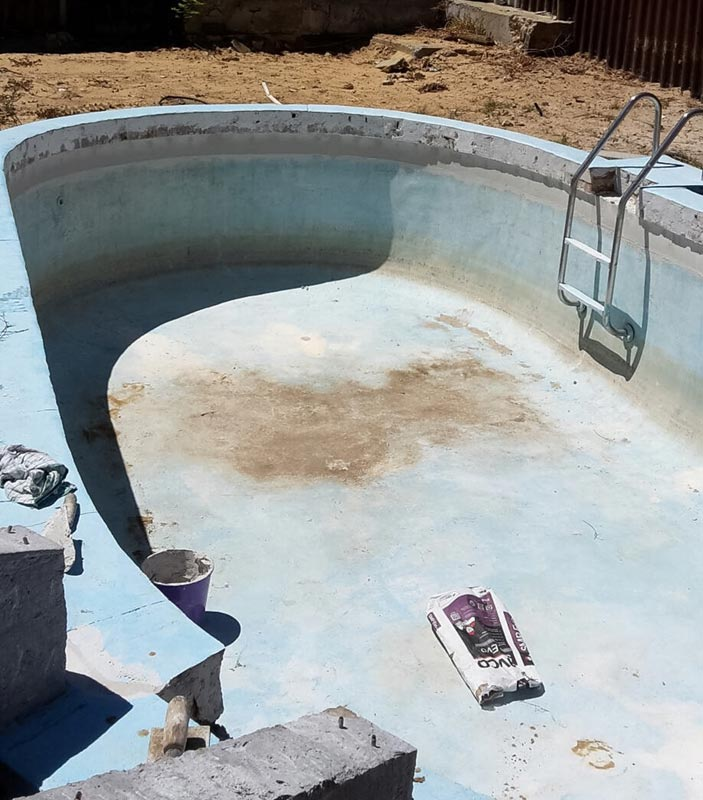 dirty pool in need of new paint job