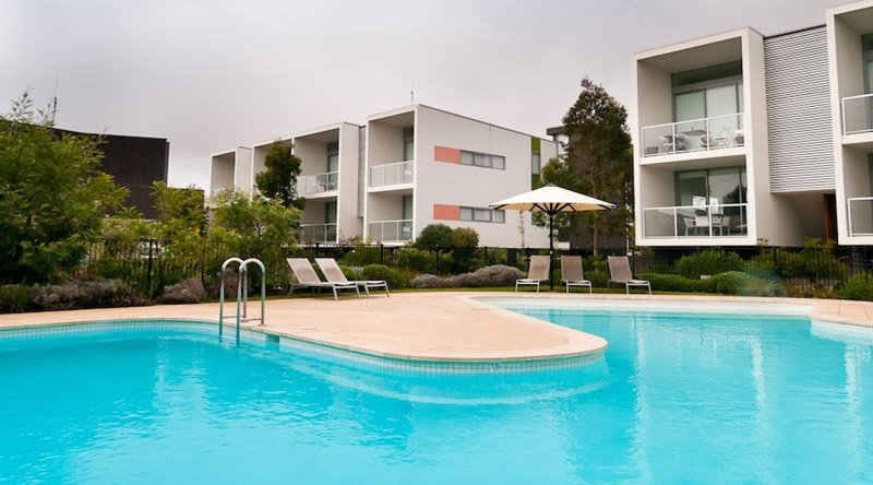 apartment outdoor swimming pool in perth
