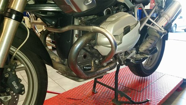 Motore di una motocicletta a Roma