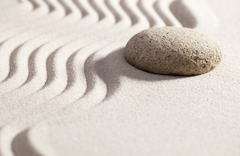 sasso sulla sabbia