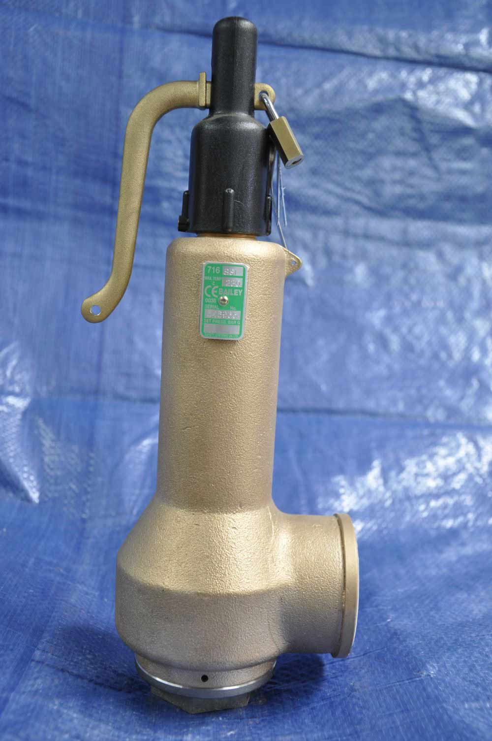 silvery pipe valve