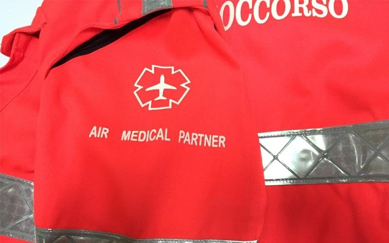 trasporto ambulanza equipe medica ed infermieri