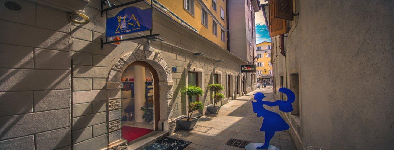 Vista esterna di La Zona a Trieste