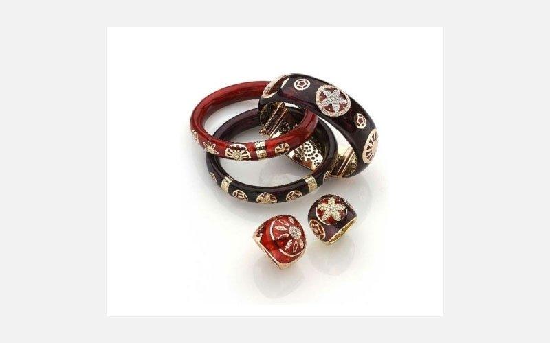 anelli e orecchini