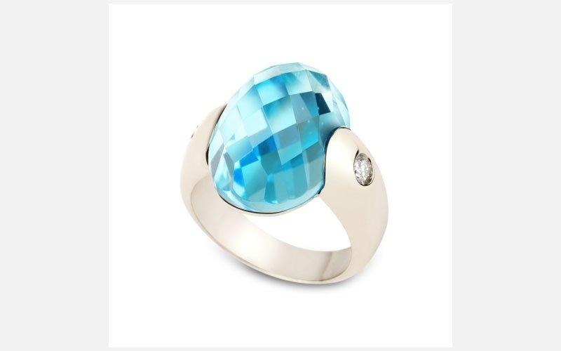 anello con topazio blu