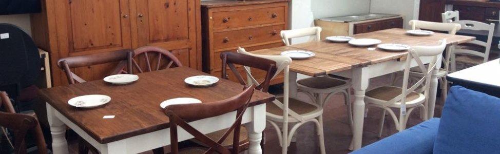 tavoli sedie e mobili usati