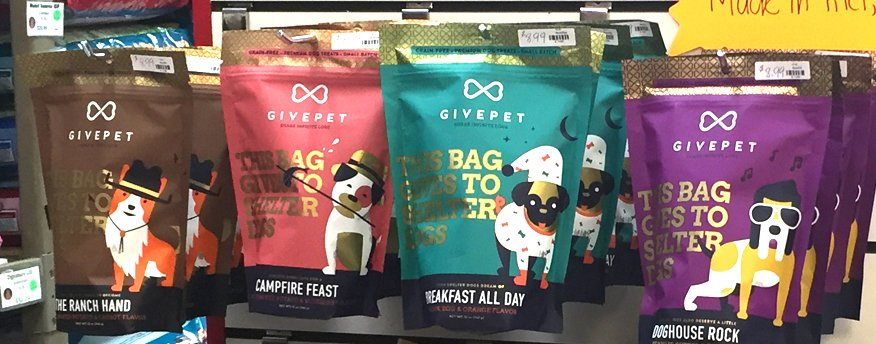 Give Pet Dog Treats at Wags & Whiskers in La Crosse, WI