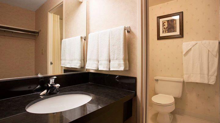 Bathroom Area Affordable Hotels Buffalo NY