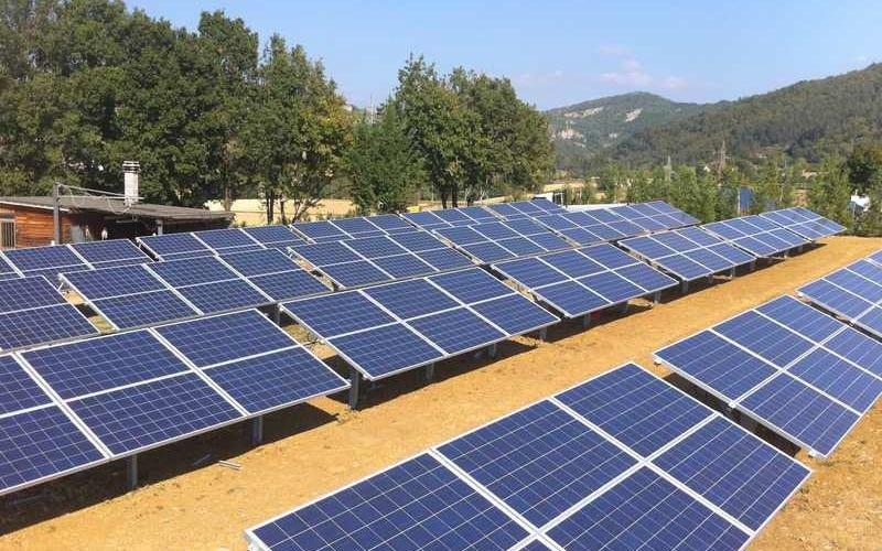Distesa pannelli fotovoltaici - SAIT Perugia