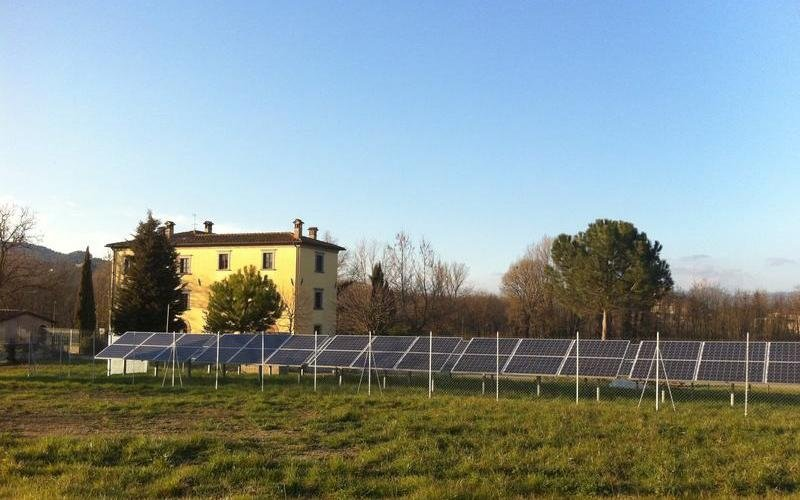 Installazione fotovoltaico su campi - SAIT Perugia