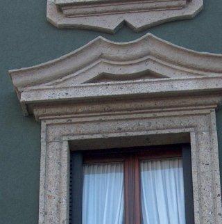 Ricostruzione cappellotto finestra