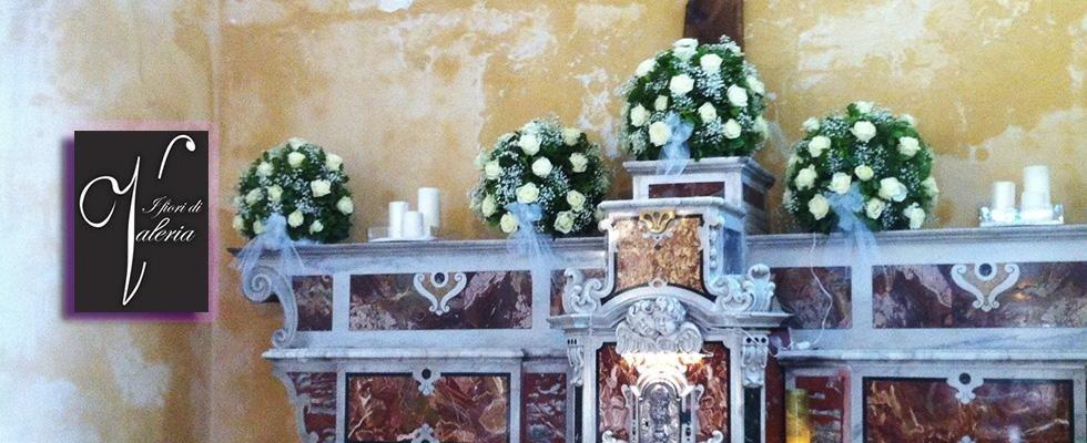 Addobbo fiori in chiesa