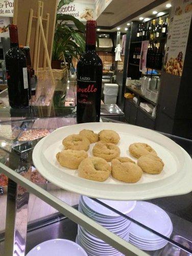 Le Ciambelline al vino alla Pinseria Ristorante Da Romoletto a Roma