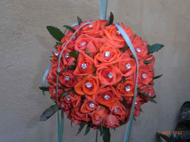 mazzo di fiori arancione