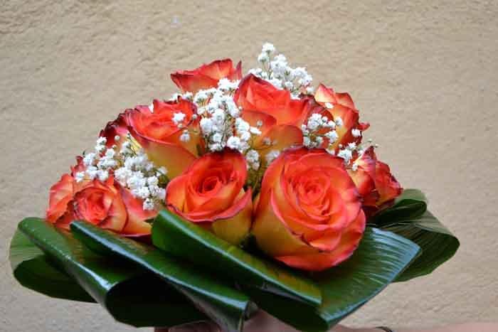 mazzo di fiori arancioni