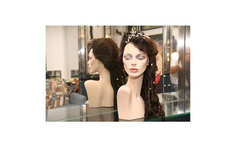 parrucca con perle