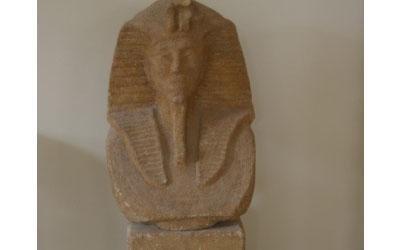 busto egiziano enna