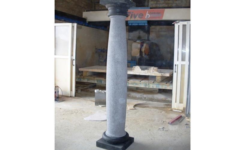 colonna pietra lavica enna