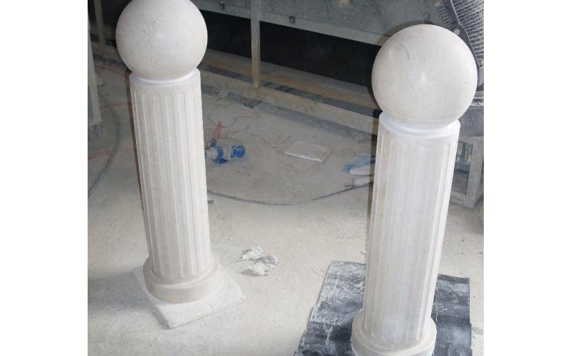 colonne scanalate con sfere enna
