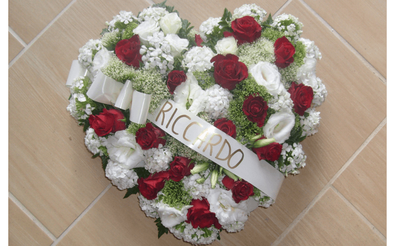 Addobbi Floreali Funebri, cuscinetti floreali, corone floreali, corone funebri, addobbi funebri, Vallerano, Viterbo