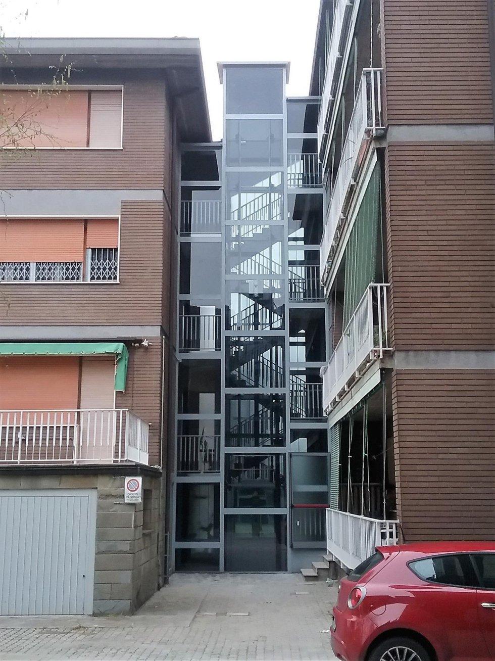 Serramenti in alluminio per palazzi
