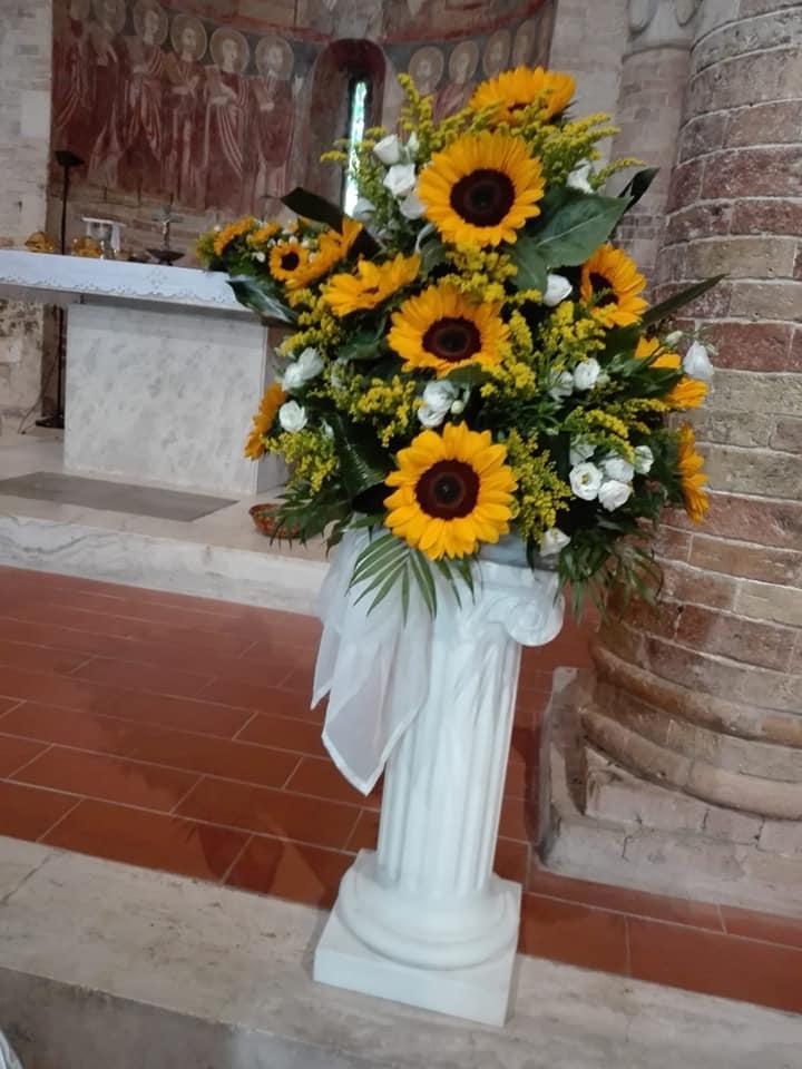 Girasoli Chiesa Per Matrimonio : Addobbi per matrimoni pescara pensieri fioriti addobbi per