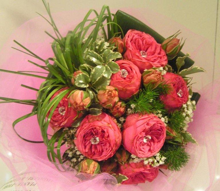 bouquet rose ramificate rosa