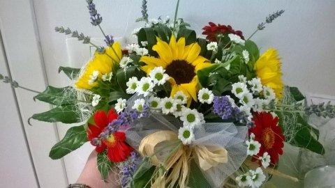 composizione floreale estiva