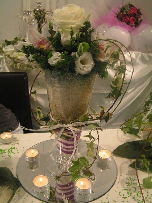 composizione floreale in vaso di cristallo