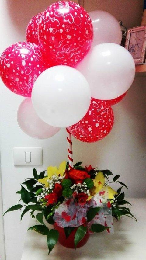 palloncini e fiori san valentino
