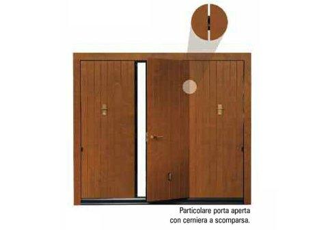 porta basculante in legno scritto Particolare porta aperta con cerniera a scomparsa