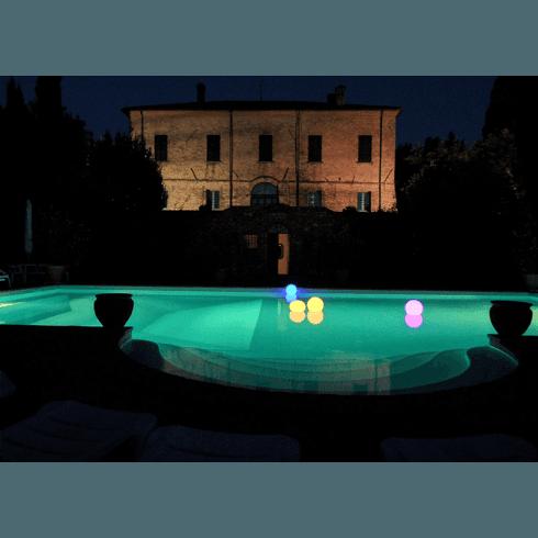 Luci galleggianti per piscina