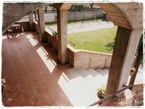 il portico di Villa Kalispera