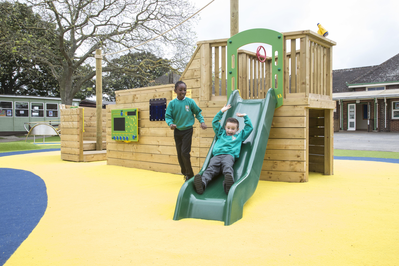 Theme Play, Play ship, Playground