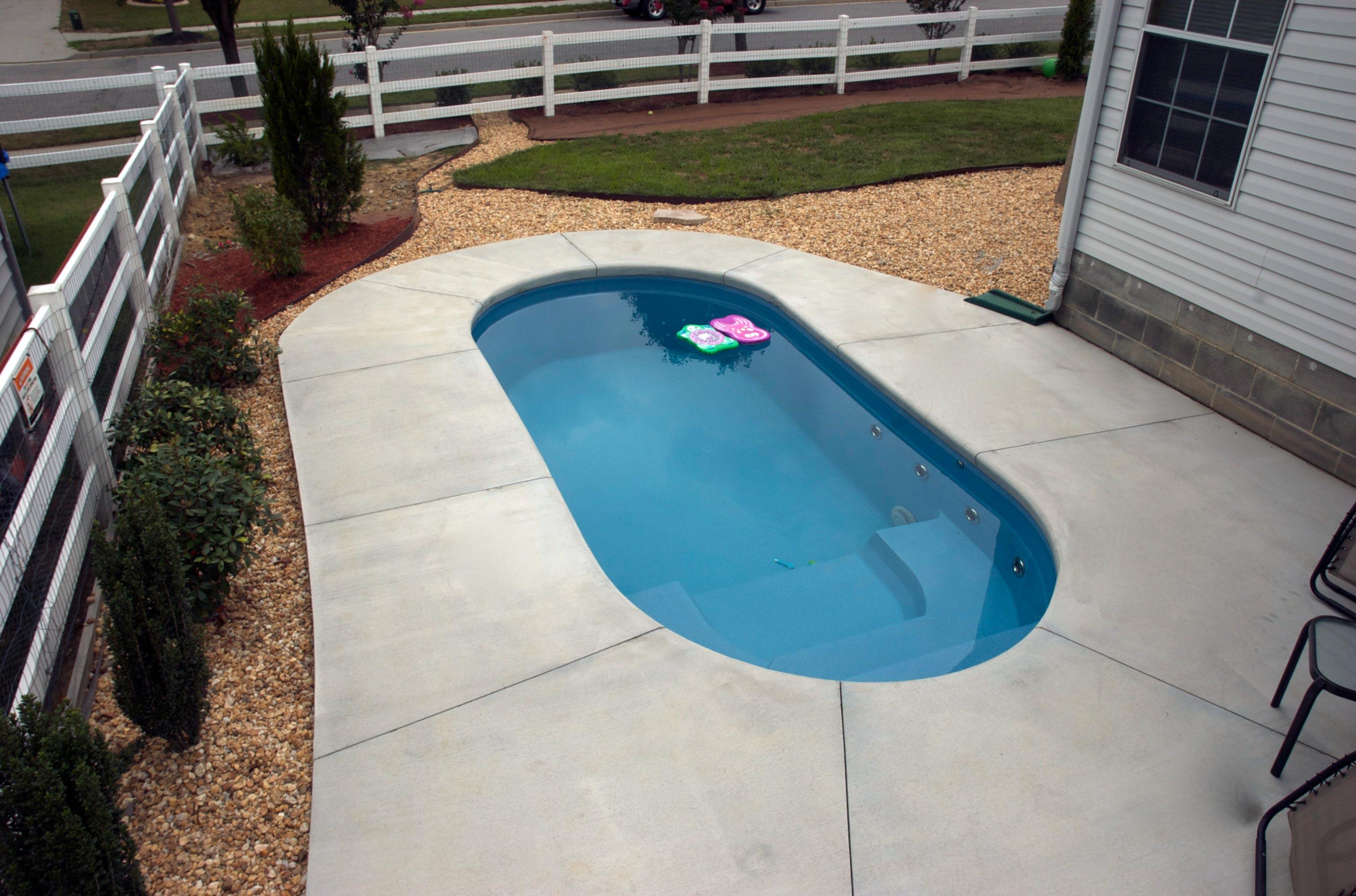 Apollo-Voyager Pool