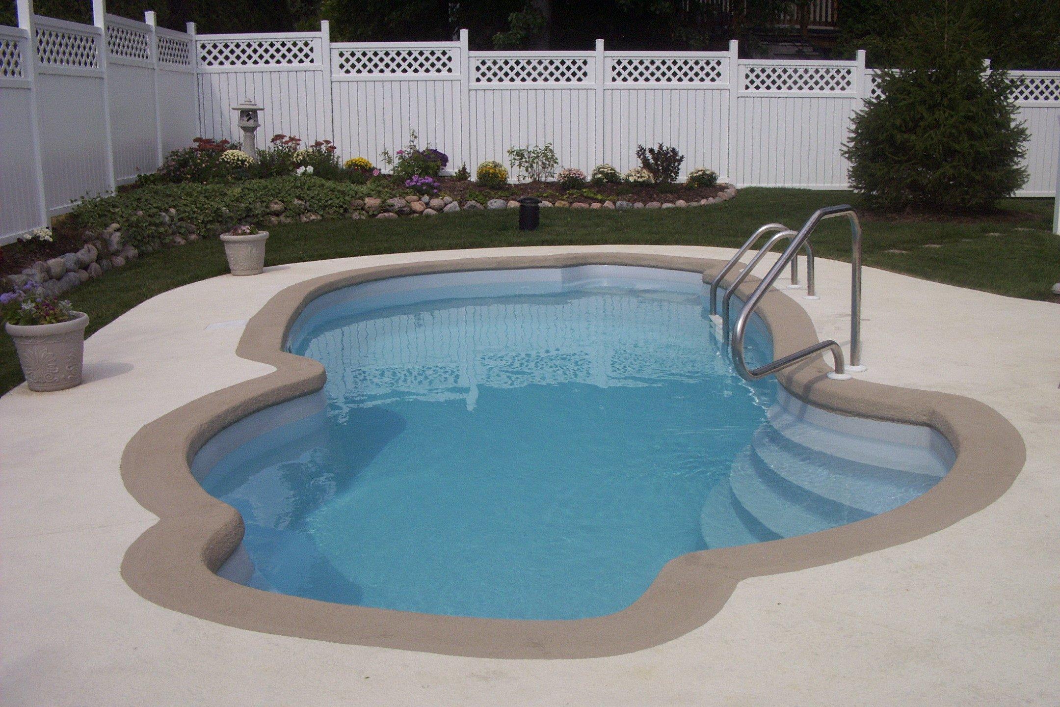 Corona Pool